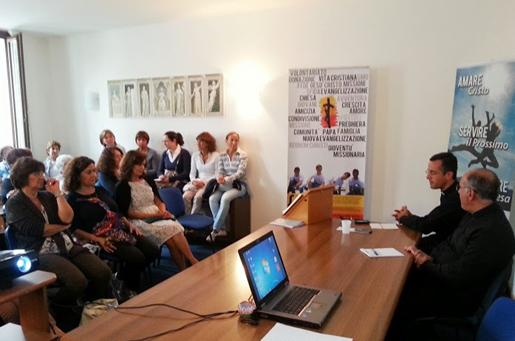 P. Óscar Náder incontra i membri del Regnum Christi di Padova.