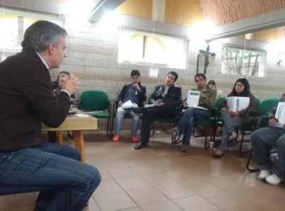Los directores durante una conferencia sobre Juventud y Familia Misionera.