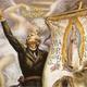 Miguel Hidalgo y Costilla enarbolando el estandarte de la Virgen de Guadalupe.
