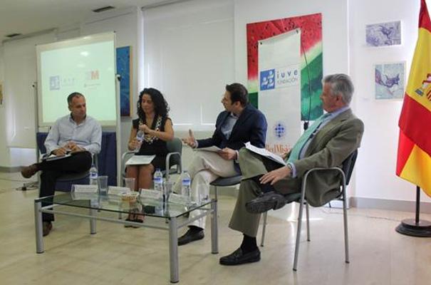 Participantes en la mesa redonda de la presentación de Future Generation.