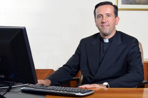 Padre Luca Gallizia, L.C. Rettore dell�Università Europea di Roma