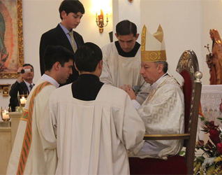 Mons. Juan Vicente Córdoba, S.J., obispo auxiliar de Bucaramanga (Colombia), presidió la ordenación diaconal del P. Juan Pablo Durán, L.C.