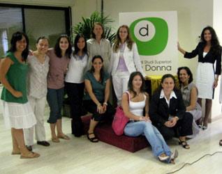 Gruppo di studentesse dell'Istituto di Studi Superiori sulla Donna.