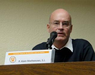 El P. Alain Mattheeuws, S.J., introdujo el tema hablando sobre la teología de San Agustín y de Santo Tomás de Aquino.