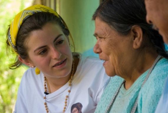 Los misioneros experimentan la alegría de ser testigos de Cristo, saliendo al encuentro de los demás.
