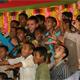 Los misioneros organizan una actividad en el orfanato Nalanda Vidyapeeth.