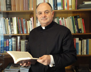 Padre Miguel Angel Llamas, L. C.