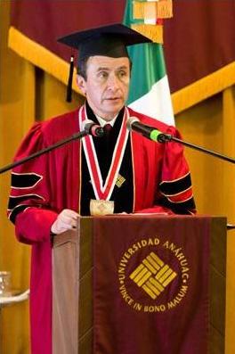Abraham Cárdenas durante su discurso.