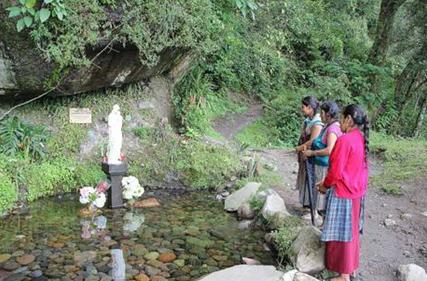 Gruta en Chilapa de Nuestra Señora de la Misericordia, donde se pide por la fidelidad de los sacerdotes.