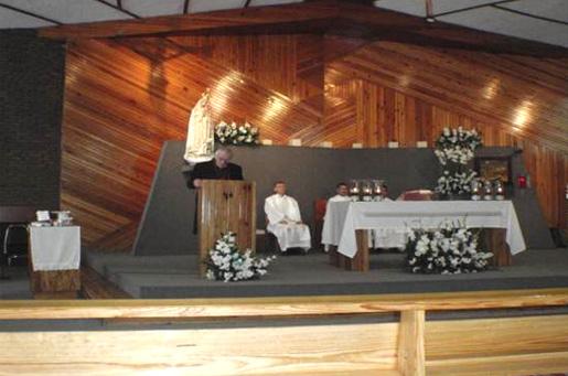 Misa en la capilla de Fátima