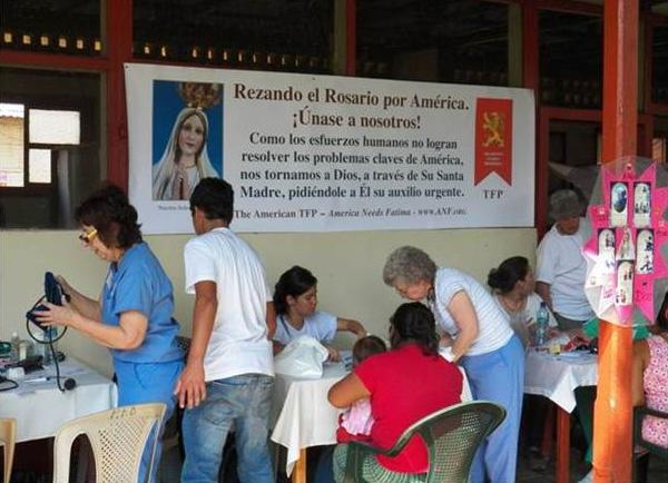 Misiones médicas en Escuintla, donde se atendieron a cerca de 1,300 pacientes.