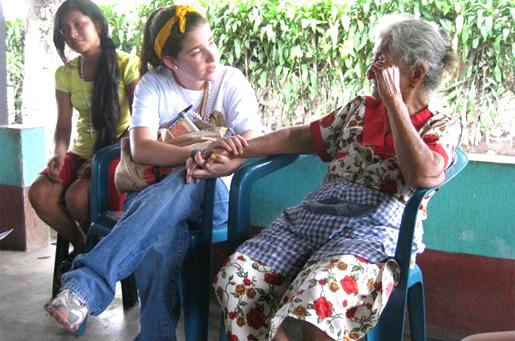 Durante las misiones de evangelización de Semana Santa se pudo apoyar a diversas parroquias de La Democracia.