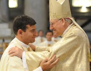 El P. Jorge Bugallo, L.C., el día de su ordenación sacerdotal de manos de Mons. Brian Farrell, L.C., el 12 de diciembre de 2009.