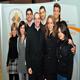 Francesca (a sin) con un gruppo di studenti intorno al cappellano, P. Nicola Tovagliari, L.C.