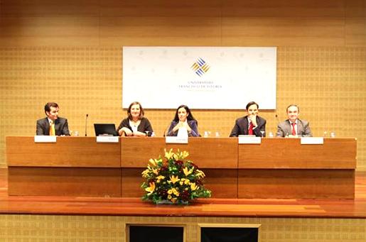 Profesores de la Universidad Francisco de Vitoria exponen sus argumentos.