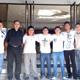 Algunos jóvenes de la UNID con el P. Alberto Izquierdo, L.C., en el pórtico del noviciado de la Legión de Cristo en Monterrey.