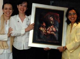 El P. Emilio Díaz Torre, L.C., con las señoras participantes en la convención anual de Virgen Peregrina de la Familia.