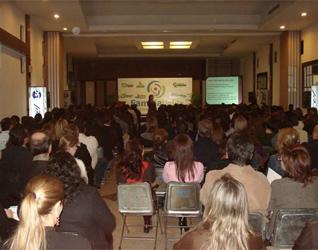 Familia Unida de Hermosillo ofreció una conferencia sobre el Bulling a padres de familia.