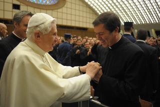 Papa Benedicto XVI y P. Álvaro Corcuera, 2009