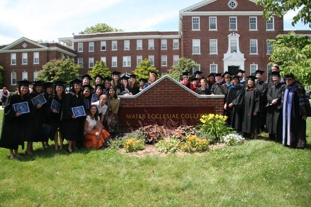 Mater Ecclesiae Graduates