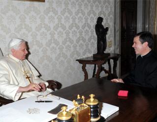 Su Santidad Benedicto XVI renueva a los Legionarios de Cristo, a los miembros del Movimiento Regnum Christi y a cuantos les son cercanos espiritualmente, su solidaridad y su plegaria en estos momentos delicados.