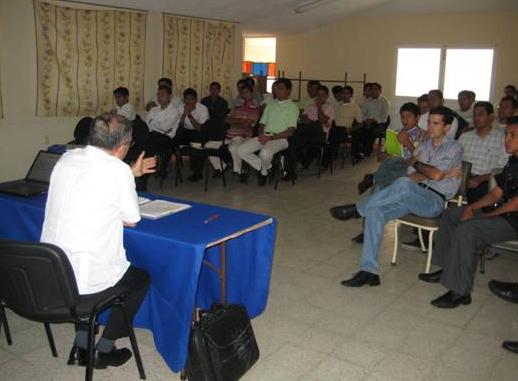 El 17 de marzo, los alumnos del seminario mayor de Veracruz escucharon el análisis del P. Javier García, L.C.