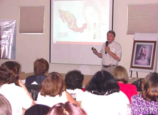 Jaime del Val, quien junto con su esposa Karen, coordinan el trabajo de promoción vocacional en Veracruz.