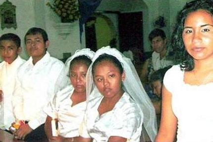 Misa de primeras comuniones en la parroquia Santa Lucía, en la localidad de Escuintla (Guatemala), con las dos niñas con capacidades diferentes que recibieron la catequesis de Miguel Xar.
