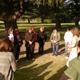 Uno de los equipos de señoras rezando el rosario durante el seminario.