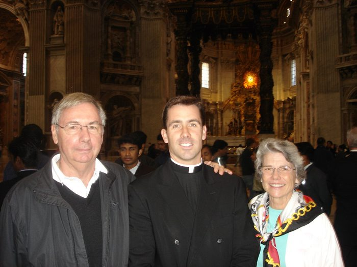 Fr. Richard with his parents in St. Peter´s Basilica in Rome.