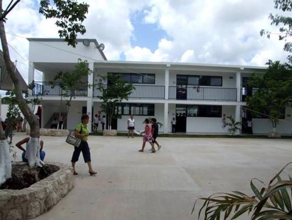 El nuevo colegio iniciará sus clases con más de mil alumnos.