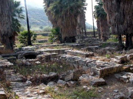 """Ruinas en la ciudad de Magdala, lugar cercano a donde se realiza el """"Magdala Center""""."""